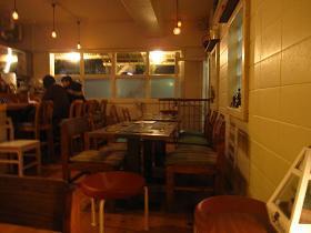洋風酒場カフェーotafukuの店内雰囲気2